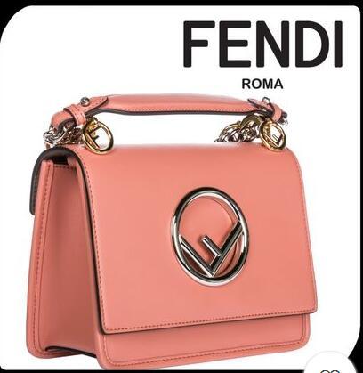 関税・送料込●FENDI フェンディ leather shoulder logo bag